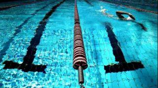 近视的朋友去游泳千万别做这几件事,否则你肯定后悔