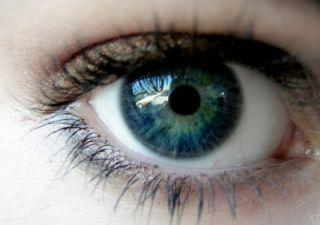 眼科医生提醒这些人,应该定期检查眼睛
